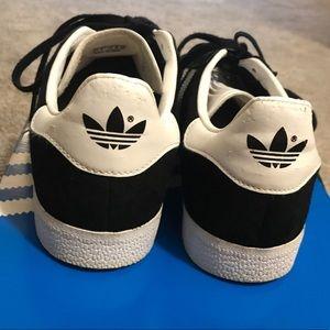 adidas Shoes - Adidas Gazelle Sneakers women's 9.5